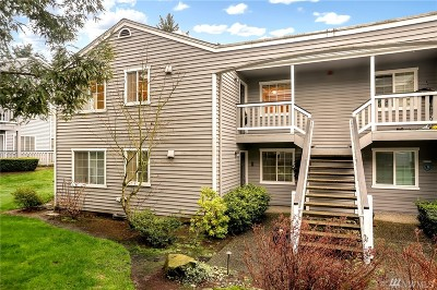 Lynnwood Condo/Townhouse For Sale: 17114 44th Ave W #C202