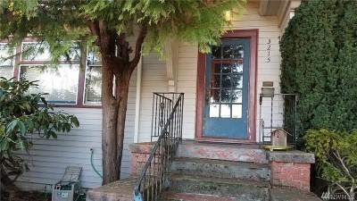 Single Family Home For Sale: 3215 Fuhrman Ave E