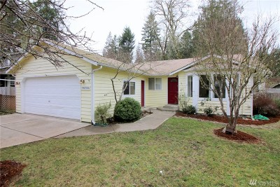 Single Family Home For Sale: 9716 Overlook Dr NW