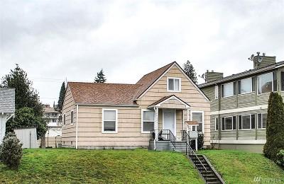 Everett Multi Family Home For Sale: 3814 Hoyt Ave