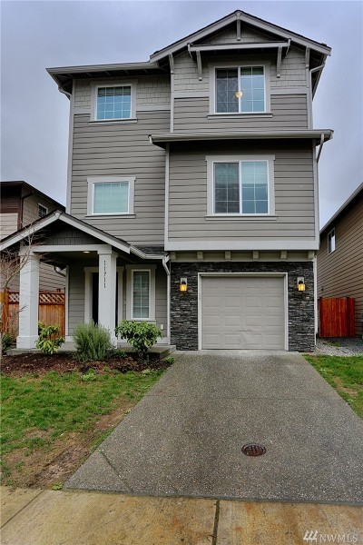 Everett Condo/Townhouse For Sale: 11711 10th Place W