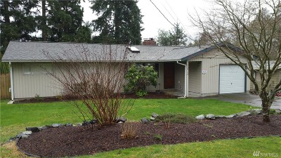 Lynnwood Single Family Home For Sale: 2412 202nd Place SW