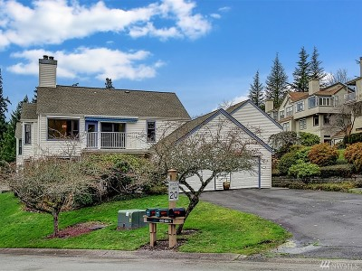 Issaquah Condo/Townhouse For Sale: 4229 221st Place SE