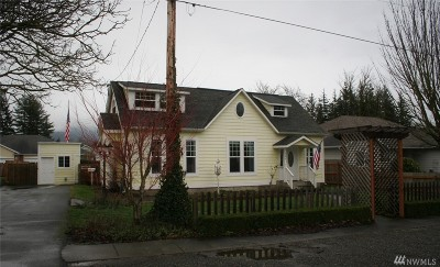 Nooksack Single Family Home For Sale: 204 W 2nd St