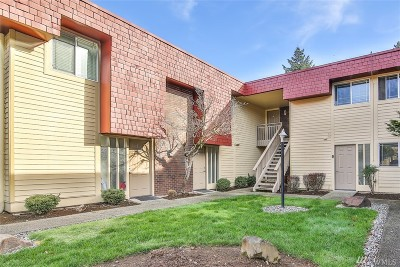 Bellevue Condo/Townhouse For Sale: 514 142nd Ave SE #92