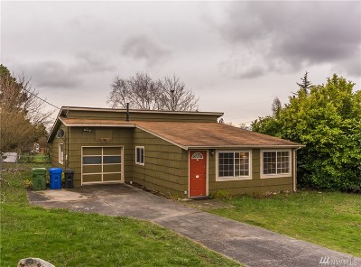 Oak Harbor Single Family Home For Sale: 1651 E Whidbey Ave