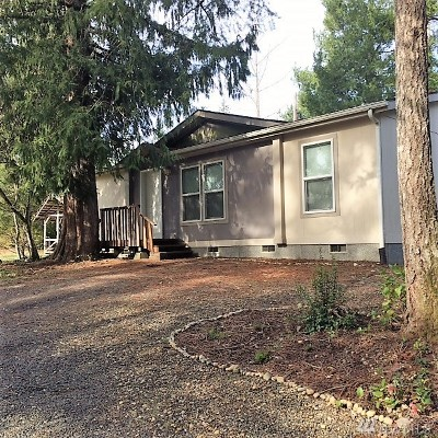 Grapeview Single Family Home For Sale: 130 E Emerald Lake Dr W