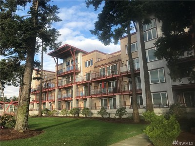 Blaine Condo/Townhouse For Sale: 7714 Birch Bay Dr #207