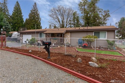 Seattle Single Family Home For Sale: 300 SW 104th St