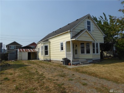 Anacortes Single Family Home For Sale: 807 24th St