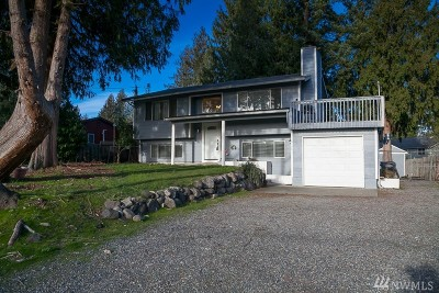 Bonney Lake Single Family Home For Sale: 6420 S Island Dr