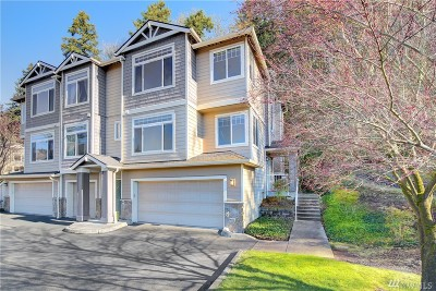 Sammamish Condo/Townhouse For Sale: 3500 East Lake Sammamish Pkwy SE #7-103