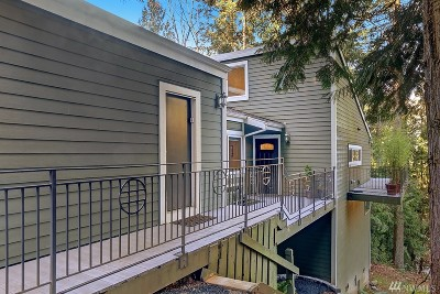 Bellevue Condo/Townhouse For Sale: 4235 155th Place SE #4-1