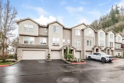 Renton Condo/Townhouse For Sale: 15325 SE 155th Place #Q-2