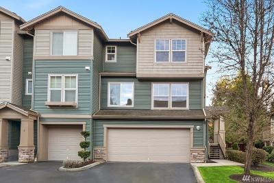 Renton Condo/Townhouse For Sale: 15325 SE 155th Place #J7