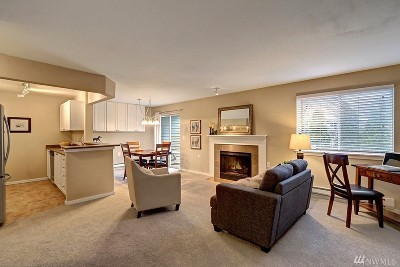 Lynnwood Condo/Townhouse For Sale: 15415 35th Ave W #G 103