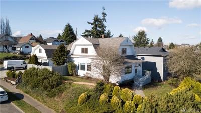 Everett Single Family Home For Sale: 3530 Oakes Ave