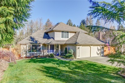 Issaquah Single Family Home For Sale: 1030 Inneswood Dr