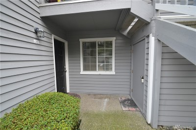 Lynnwood Condo/Townhouse For Sale: 17114 44th Ave W #C104