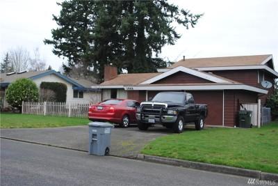 Kent Single Family Home For Sale: 3922 Hampton Wy