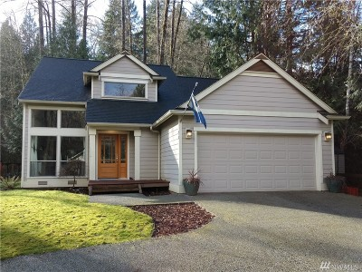Bellingham Single Family Home For Sale: 24 Sunnyside Lane