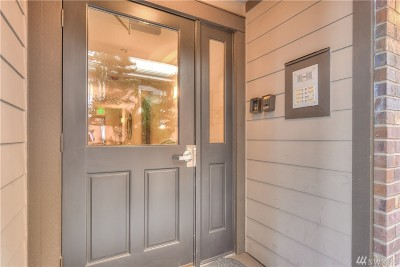 King County Condo/Townhouse For Sale: 2009 Yale Ave E #202