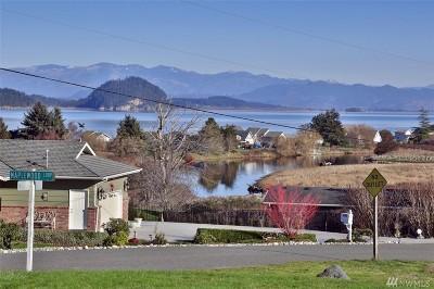 Oak Harbor Single Family Home For Sale: 680 Dugualla Rd