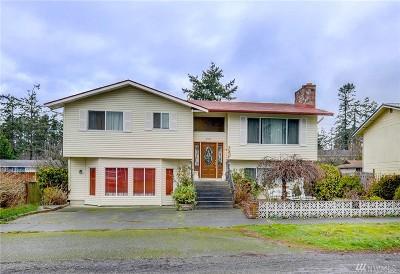 Oak Harbor Single Family Home For Sale: 730 NE Dory Dr