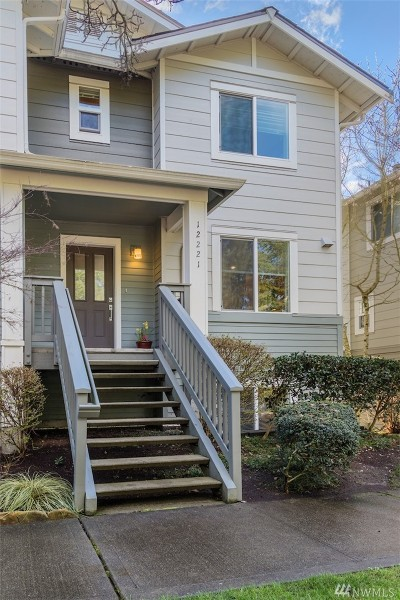 Kirkland Condo/Townhouse For Sale: 12221 NE 109th Place #39