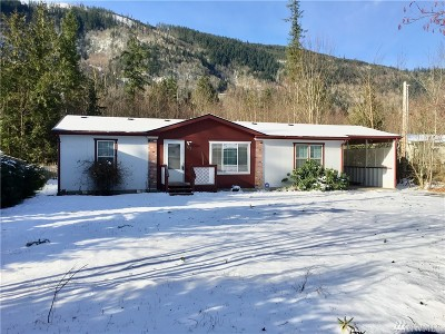 Maple Falls Single Family Home Sold: 672 Sprague Valley Drive