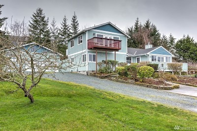 Coupeville Single Family Home For Sale: 903 NE 7th St