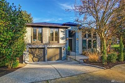 Kirkland Single Family Home For Sale: 10636 NE 55th St