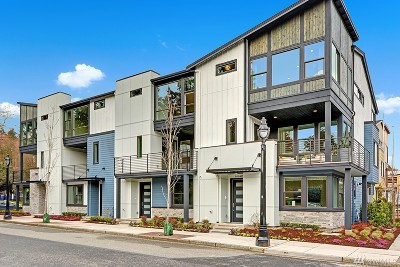 Bothell Condo/Townhouse For Sale: 9604 NE Main St #2B