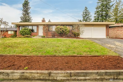 Lynnwood Single Family Home For Sale: 6903 192nd Place SW