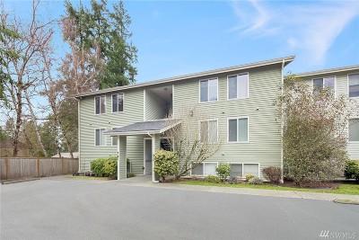 Bellevue Condo/Townhouse For Sale: 4181 W Lake Sammamish Pkwy SE #B301