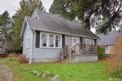Seattle Single Family Home For Sale: 9031 32nd Ave SW
