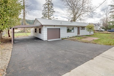Sumner Single Family Home For Sale: 4803 E Valley Hwy E