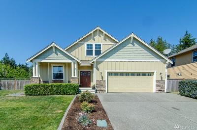 Oak Harbor Single Family Home For Sale: 2651 SW Fairway Point Dr