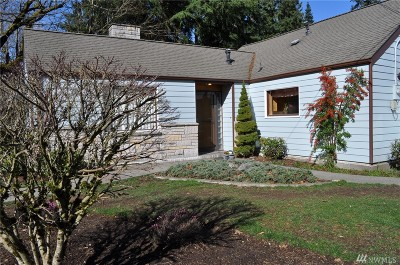 Milton Single Family Home For Sale: 1602 Taylor St