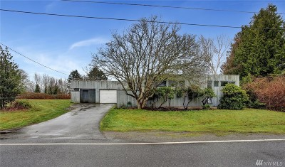 Bellingham Single Family Home For Sale: 3897 Cliffside Dr