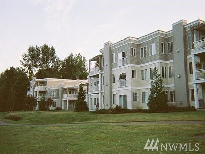 Bothell Condo/Townhouse For Sale: 17432 Bothell Way NE #B207