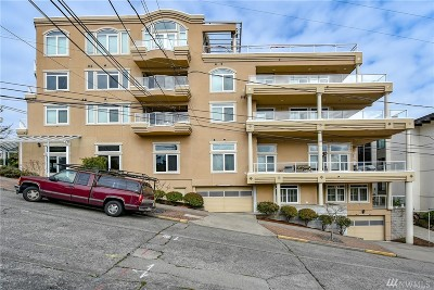 Seattle Condo/Townhouse For Sale: 2100 Thorndyke Ave W #101