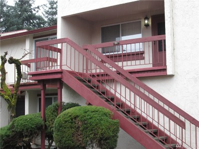 Puyallup Condo/Townhouse For Sale: 328 SE 9th Ave #D-1
