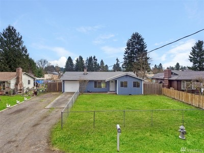 Spanaway Single Family Home For Sale: 236 170th St E