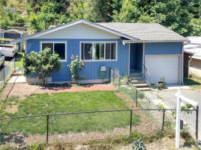 Seattle Single Family Home For Sale: 6917 25th Ave SW
