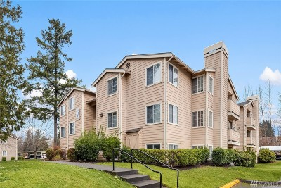 Federal Way Condo/Townhouse For Sale: 28704 18th Ave S #V102