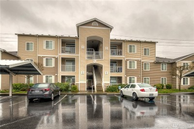 Puyallup Condo/Townhouse For Sale: 18615 101st Av Ct E #165