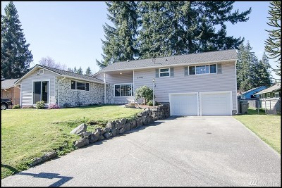 Mountlake Terrace Single Family Home For Sale: 21804 50th Place W