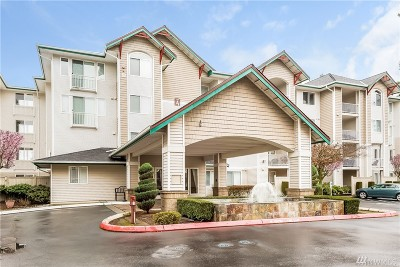 Newcastle Condo/Townhouse For Sale: 13301 SE 79th Place #A207