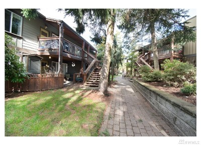 Mountlake Terrace Condo/Townhouse For Sale: 21301 48th Ave W #A210